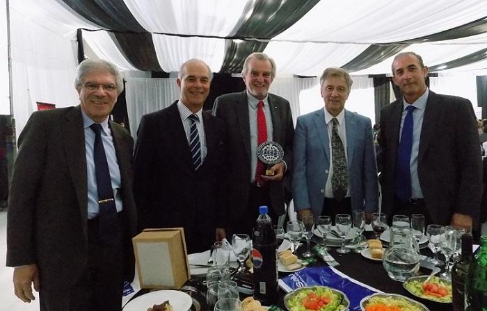 Autoridades de CEIL y Federación Gremial junto al Ing. Roberto Gibbons de TEXEL SRL